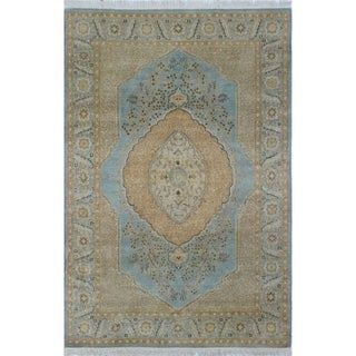 Afifa Light Blue/Beige Turkish-knotted Wool Rug (4'1 x 5'11)