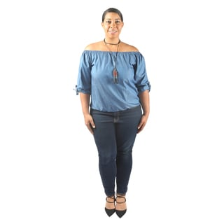 Hadari Women's Plus Size Short Sleeve Boatneck Casual Denim Blouse with elastic waistline and black tassel necklace