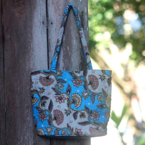 Handcrafted Cotton 'Blue Kembang Kapas' Batik Shoulder Bag (Indonesia)