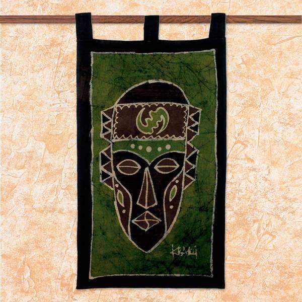 Handcrafted Cotton Batik 'Gye Nyame Mask' Wall Hanging (Ghana)