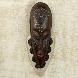 Handcrafted Sese Wood 'Peaceful Successor' African Wall Mask (Ghana)