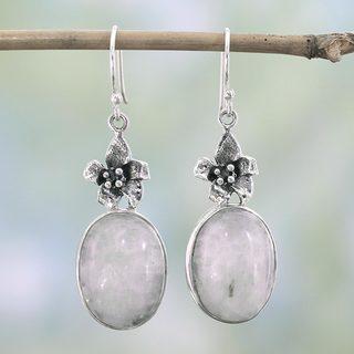 Handcrafted Sterling Silver 'Azalea' Moonstone Earrings (India)