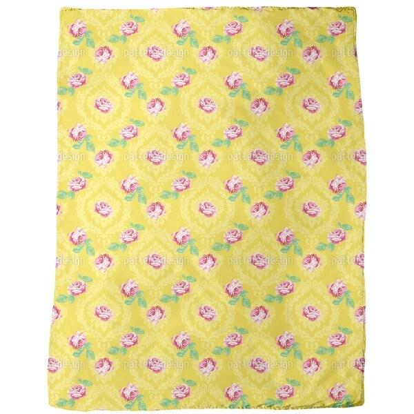 Nostalgic Roses Fleece Blanket