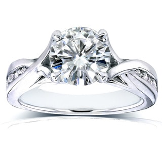 Annello 14k White Gold Forever One Moissanite and 1/5ct TDW Diamond Crossover Round Channel Engagement Ring (G-H, I1-I2)