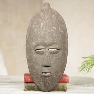Handcrafted Sese Wood 'Positive Thinker' African Wall Mask (Ghana)