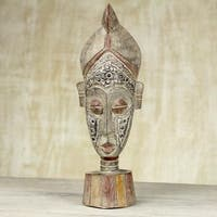 Handcrafted Sese Wood 'Sympathy Smile' Africa Wall Mask (Ghana)