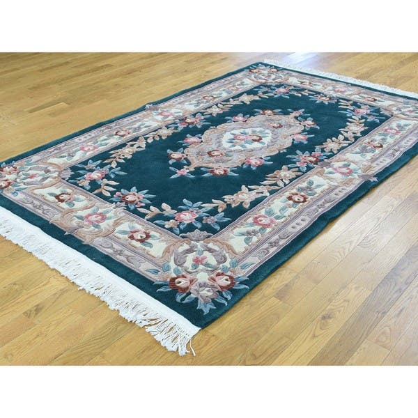 Thick And Plush Chinese Wool Hand Knotted Oriental Rug