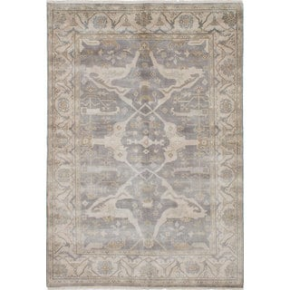 eCarpetGallery Hand-knotted Royal Ushak Grey Wool Rug (6'2 x 9'0)