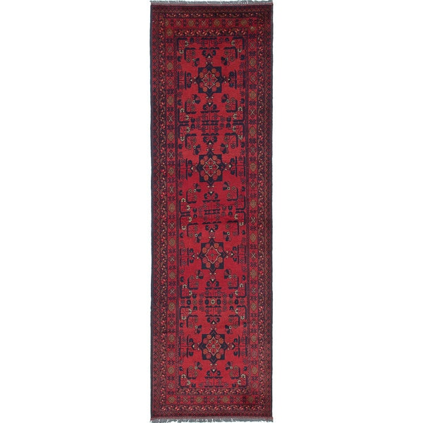 eCarpetGallery Finest Khal Mohammadi Red Hand-knotted Wool Rug (2'7 x 9'4) - 2'7 x 9'4