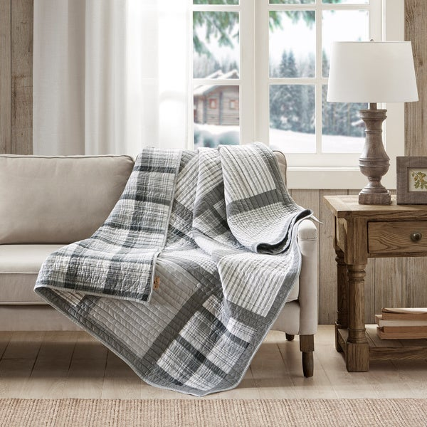Charmant Woolrich Huntington Oversized Cotton Printed Pieced Quilted Throw