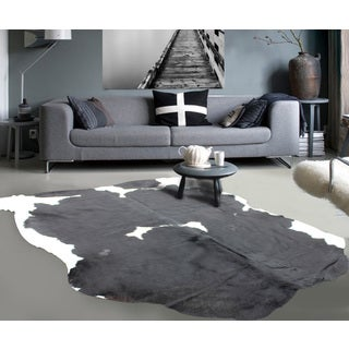 White/Black High-quality Premium 100-percent Natural Argentinean Cow Hide - 5' x 7'