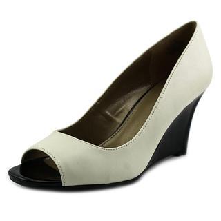 Bandolino Women's 'Jamila' Off White Faux Leather Dress Shoes