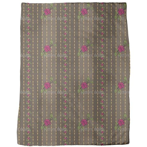 Chain of Roses Fleece Blanket