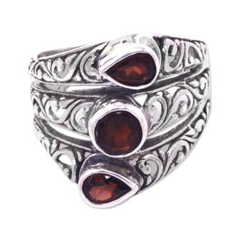 Handcrafted Sterling Silver 'Three Loves' Garnet Ring (Indonesia)