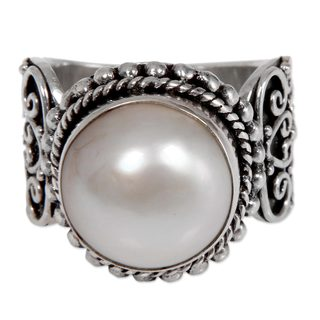 Handcrafted Sterling Silver 'Purely White' Cultured Pearl Ring (13 mm) (Indonesia)
