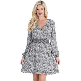 Nikibiki Women's Black/White Polyester Open-sleeve Dress