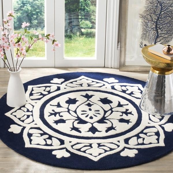 Safavieh Handmade Bella Navy / Ivory Wool Rug (5' Round)