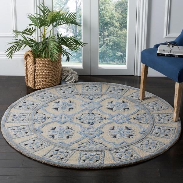 Safavieh Handmade Bella Ivory / Blue Wool Rug - 5' Round