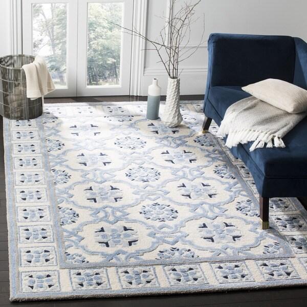 Safavieh Handmade Bella Ivory / Blue Wool Rug - 5' Square