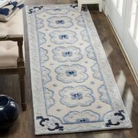 Safavieh Handmade Bella Ivory / Blue Wool Runner Rug - 2' x 7'