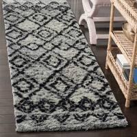 Safavieh Handmade Casablanca Grey / Charcoal Wool Runner Rug - 2' 3 x 8'