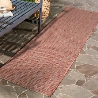 Safavieh Indoor / Outdoor Courtyard Chevron Grey / Navy Runner Rug (2' 3 x 12')