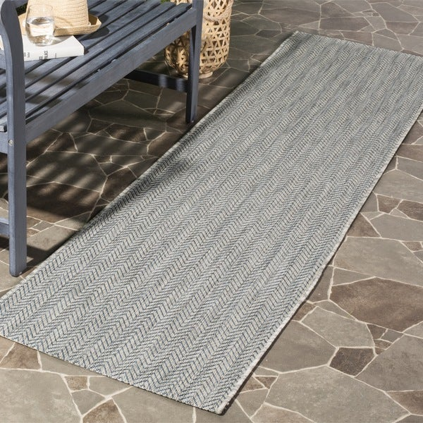 Safavieh Indoor Outdoor Courtyard Chevron Grey Navy