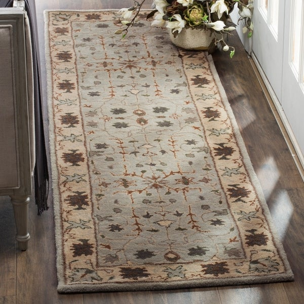 Safavieh Handmade Heritage Timeless Traditional Green/ Beige Wool Runner Rug - 2'3 x 8'