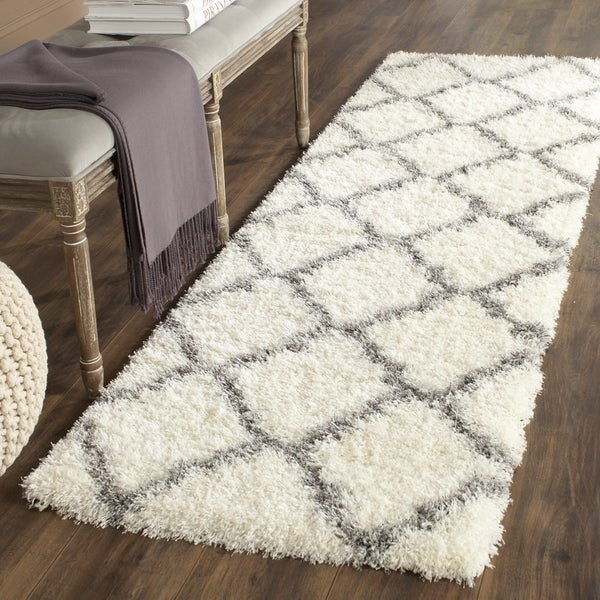 Safavieh Montreal Shag Ivory/ Grey Polyester Rug (2' x 9')