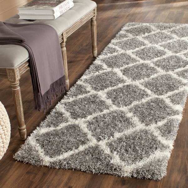 Safavieh Montreal Shag Grey/ Ivory Polyester Rug - 2' x 9'