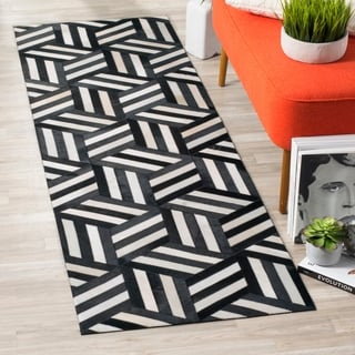 Safavieh Handmade Studio Leather 200 Ivory / Black Leather Runner Rug (2'3 x 7')