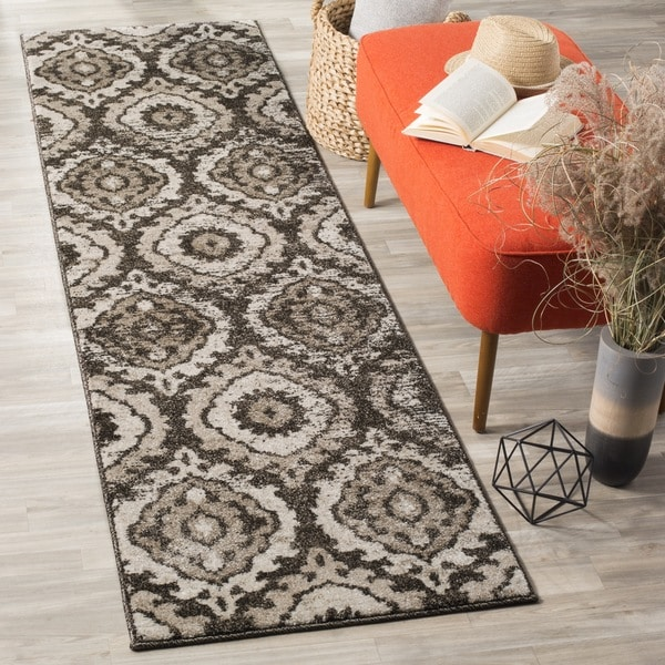 Safavieh Tunisia Brown / Cream Runner Rug - 2' 3 x 8'