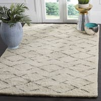 Safavieh Handmade Casablanca Ivory / Grey New Zealand Wool Rug - 3' x 5'