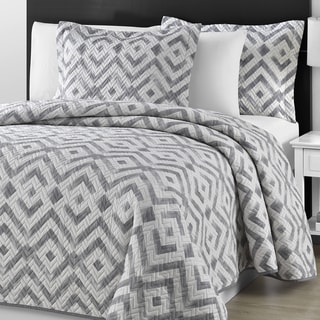 Comfy Bedding Chevron Quilted Gray and Off White 3-piece Coverlet Set