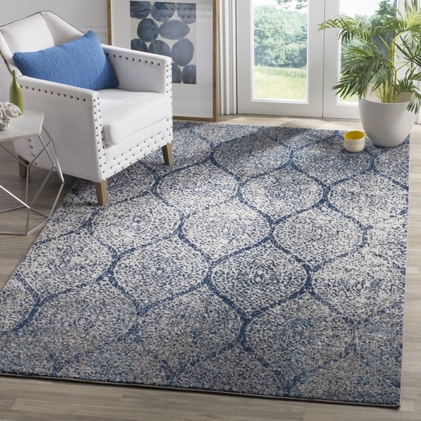 Safavieh Madison Vintage Navy/ Silver Distressed Rug - 5' x 8'