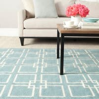 Martha Stewart by Safavieh Square Dance Geyser Blue Wool / Silk Rug - 6' x 9'
