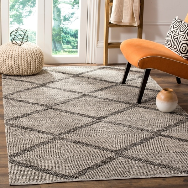 Safavieh Montauk Hand-Woven Flatweave Diamond Black/ Ivory Cotton Rug - 6' X 9'