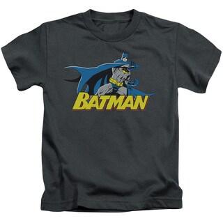 Batman/8 Bit Cape Short Sleeve Juvenile Graphic T-Shirt in Charcoal