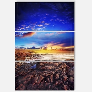 Designart - Sunset Over the Ocean - Seascape Photography Glossy Metal Wall Art