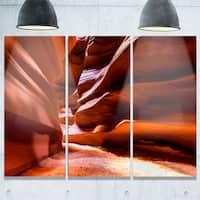 Designart - Breathtaking Antelope Canyon - Landscape Photo Glossy Metal Wall Art