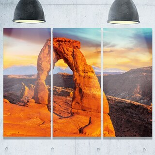 Designart - Delicate Arch in Arches Park - Landscape Photo Glossy Metal Wall Art