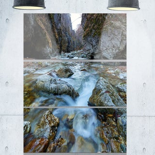 Designart - Blue Water in River - Landscape Photography Glossy Metal Wall Art