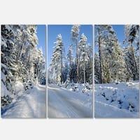 Designart - Snowy Blue Winter - Landscape Photography Glossy Metal Wall Art