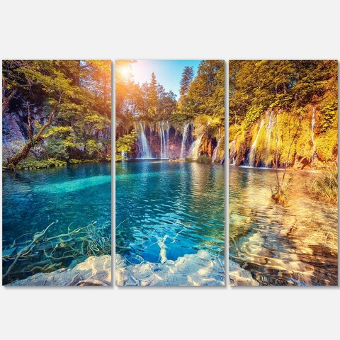 Designart - Turquoise Water and Sunny Beams - Landscape Photo Glossy Metal Wall Art