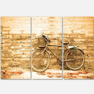 Designart - Vintage Bicycle against Brown Wall - Landscape Glossy Metal Wall Art
