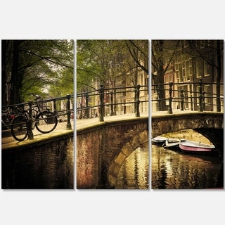 Designart - Romantic Bridge Over Canal - Landscape Photo Glossy Metal Wall Art