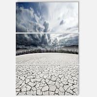 Designart - Desert Dreamscape - Landscape Photo Glossy Metal Wall Art
