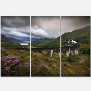 Designart - Glenfinnan Viaduct, Scotland - Landscape Photo Glossy Metal Wall Art