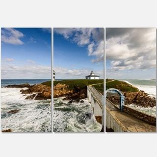 Designart - Bright Illa Pancha Lighthouse - Seashore Photo Glossy Metal Wall Art