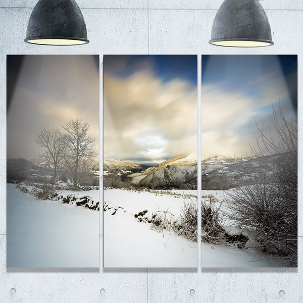 Designart - Snow Storm in Spain - Landscape Photography Glossy Metal Wall Art